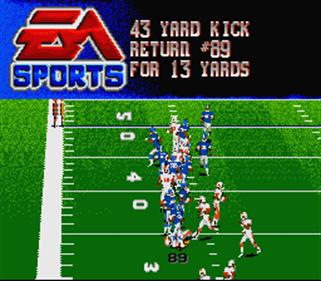College Football USA 97 - Screenshot - Gameplay